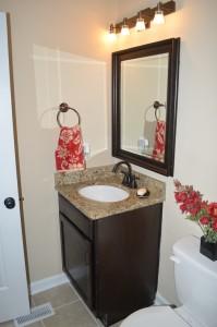 276 Murray Fork Drive hallway bathroom