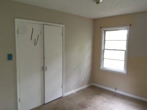 276 Murray Fork Master bedroom before