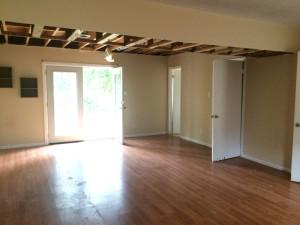 276 Murray Fork family room before